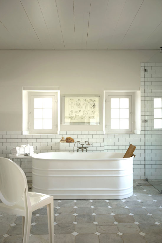 11.COTTAGE BATHROOM
